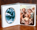Picture Frame w/Mary, Joseph & Child   #R8012