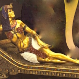 Cleopatra on a Couch – mini  #8332